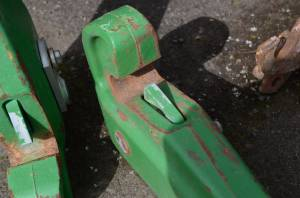 3 pt Hitch and Drawbars - Hitch Coupler - Farmland - RE180668 - John Deere QUICK HITCH COUPLER