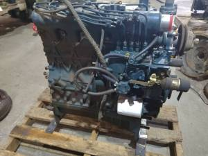 Used Engines - Kubota L3750 Used Engine - Image 3