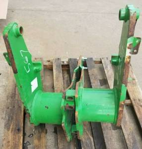 Used Parts - Used Body Parts - Farmland Tractor - BW15271 - John Deere LOADER BRACKETS, Used