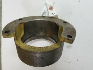 Wheels Hubs & Components - Wheels, Hubs and Components - Farmland Tractor - R62849 - John Deere BEARING HOUSING, Used