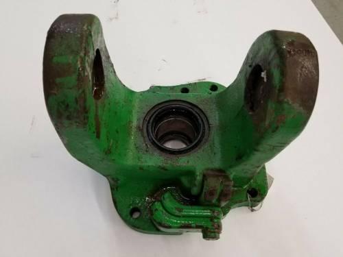 Clutch Transmission & PTO - Transmission Drive Shaft - Farmland Tractor - R89008 - John Deere LH YOKE, Used