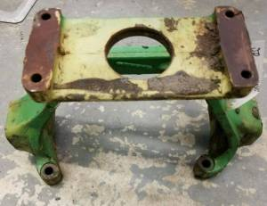 Hydraulics - Pumps - Farmland - R50231- John Deere USED HYDRAULIC PUMP SUPPORT