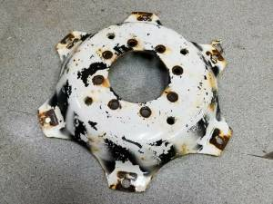 SBA336110770 - Ford New Holland WHEEL CENTER, Used