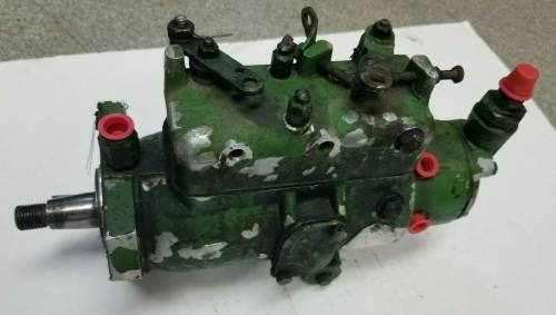 AR103575 - John Deere INJECTION PUMP, Used
