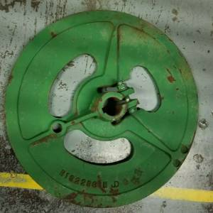 Pulleys - Combines - H132298 - John Deere COMBINE DRIVE PULLEY, Used