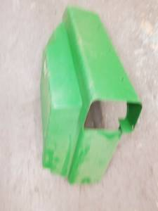 Body Parts - Farmland - John Deere 955 LH FENDER, Used