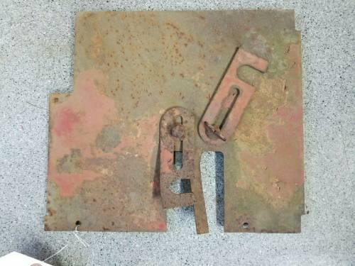 3125857R1 - Case/IH RH REAR VERTICAL PANEL, Used