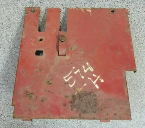 527589R1 - International RH REAR COVER, Used