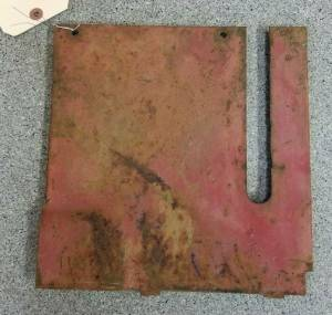 401942R2 - Case/IH LH REAR VERTICAL COVER, Used