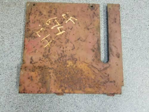 Body Parts - Farmland - 527587R1 - International LH REAR COVER, Used