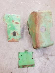Body Parts - Farmland - R36420 - John Deere ROCKSHAFT COVER SET, Used