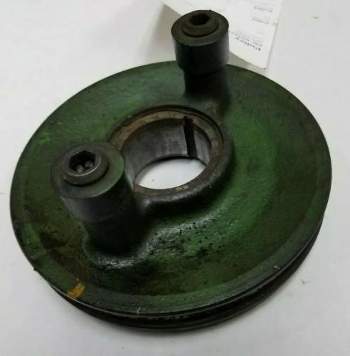 Engine Components - Crankshafts - Farmland Tractor - R53031 - John Deere CRANKSHAFT PULLEY, Used