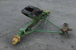 4WD Front Axle & Steering - Axle Assembly - Farmland Tractor - 730 - John Deere 730 STANDARD AXLE ASSEMBLY