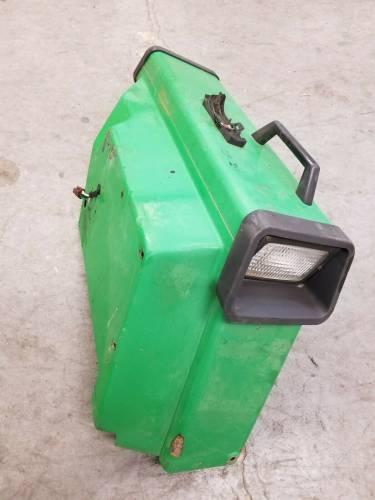 755 RH - John Deere RH FENDER, Used